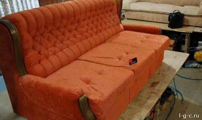 Как правильно обшить диван
